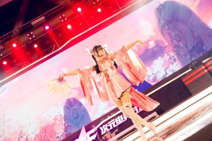 虎牙EAF次元电竞节第2日大放送:超人气唱见舞见嗨翻全场-看客路