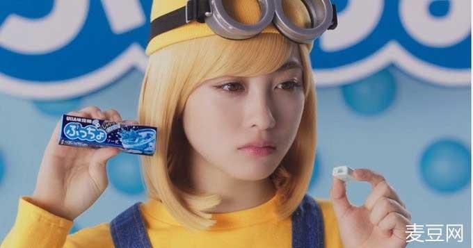 超妄想《桥本环奈》亲手喂你吃糖,怎么甜蜜蜜的感觉有种淡淡的哀伤...